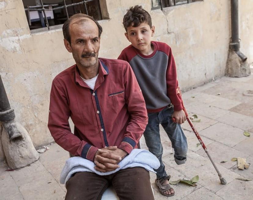 Enfant-camp-refugies-kurdes-rojava-humanitaire-rojasor-soleil-rouge